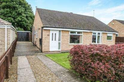 2 Bedrooms Bungalow for sale in Littondale Avenue, Knaresborough, North Yorkshire