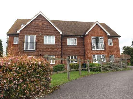 1 Bedroom Flat for sale in 5 Longacre, Aldershot, Surrey