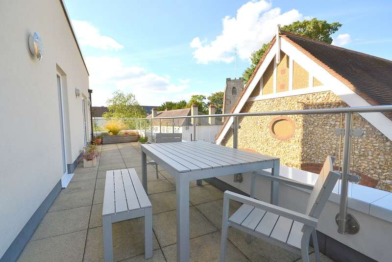 3 Bedrooms Penthouse Flat for sale in Walton on Thames