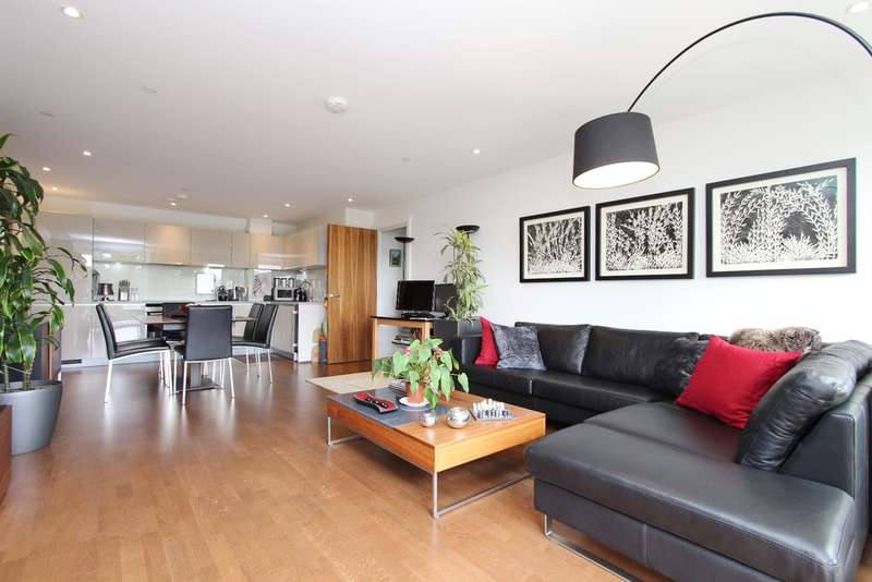 1 Bedroom Flat for sale in Admiralty Building, 17 Henry Macaulay Avenue