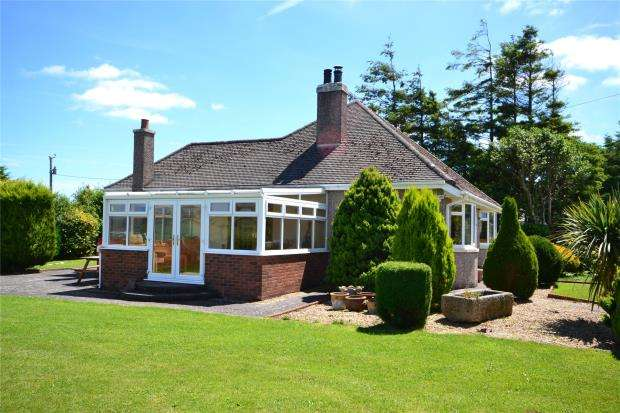 4 Bedrooms Detached Bungalow for sale in Dupath Road, Callington, Cornwall