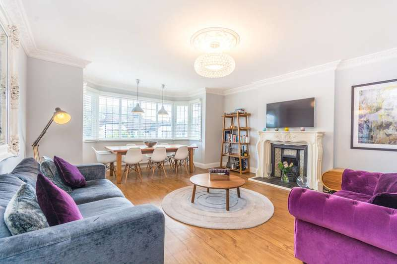 2 Bedrooms Flat for sale in Chatsworth Road, Willesden Green, NW2
