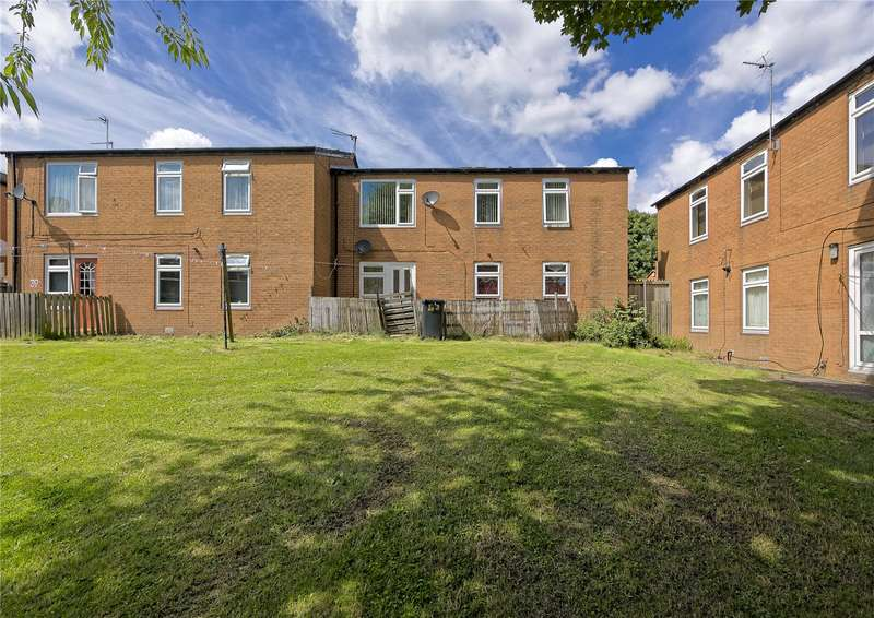 2 Bedrooms Apartment Flat for sale in Dulverton Green, Leeds, West Yorkshire, LS11