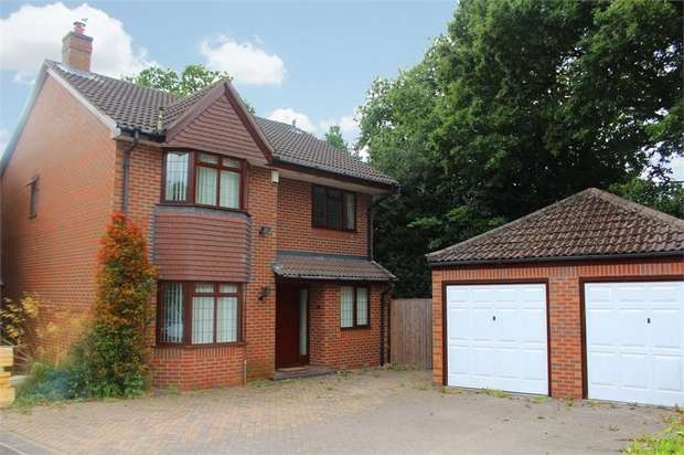 4 Bedrooms Detached House for sale in Valley View, Market Drayton, Shropshire