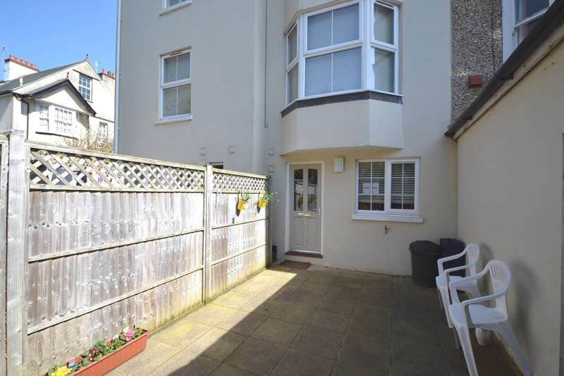 1 Bedroom Flat for sale in Bridport