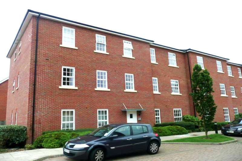 2 Bedrooms Flat for sale in North Square, Knowle, Fareham, PO17