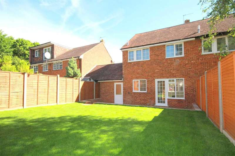 3 Bedrooms House for sale in REFURBISHED 3 BED FAMILY HOME WITH GARAGE IN Dinmore, Bovingdon