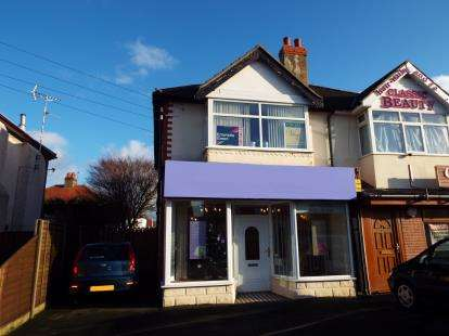 1 Bedroom Flat for sale in Fleetwood Road North, Thornton-Cleveleys, Lancashire, FY5