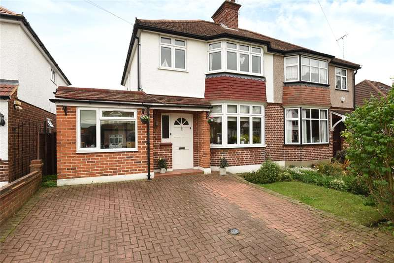 3 Bedrooms Semi Detached House for sale in Devon Way, Hillingdon, Middlesex, UB10
