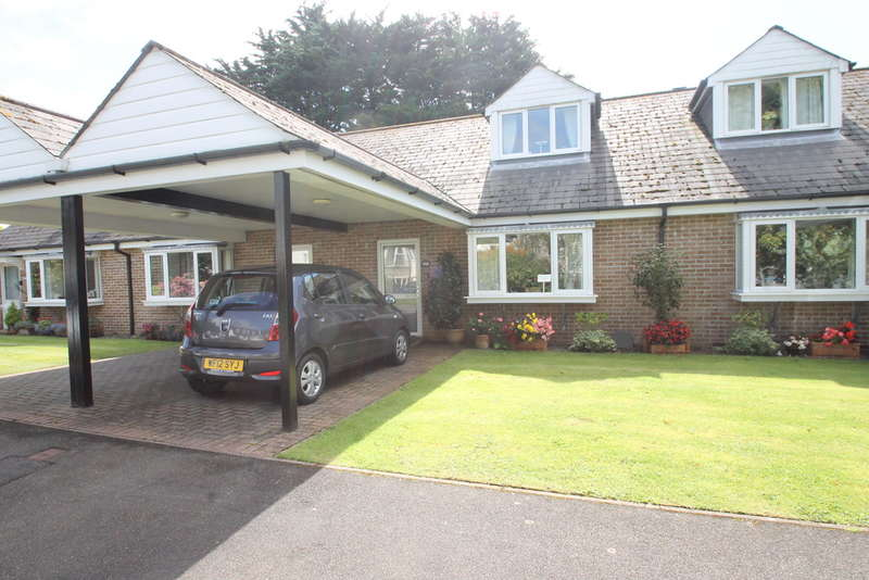2 Bedrooms Terraced Bungalow for sale in Hartley, Plymouth