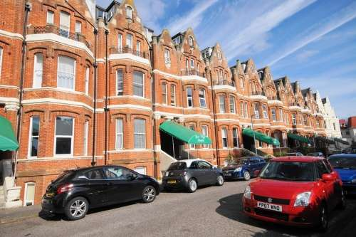Flat for sale in Flat Westcliff Studios, Durley Gardens, Bournemouth, Dorset