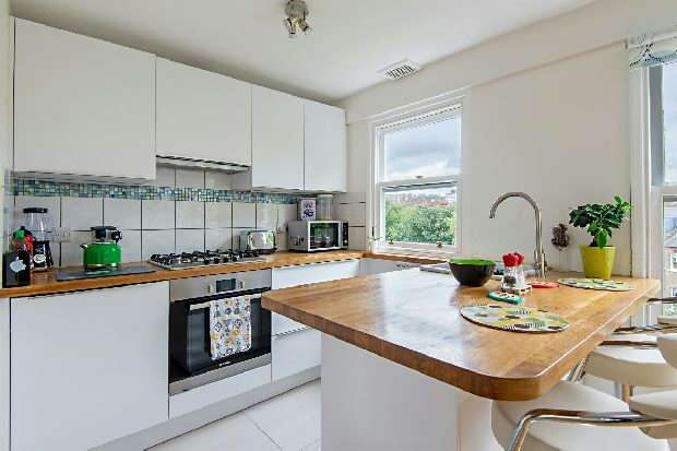 2 Bedrooms Flat for sale in Fairhazel Gardens, South Hampstead, NW6
