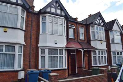 3 Bedrooms Terraced House for sale in Risingholme Road, Harrow Weald