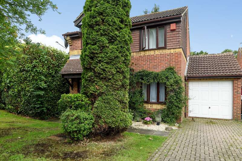 3 Bedrooms Detached House for sale in Highmoors, Chineham, Basingstoke, RG24
