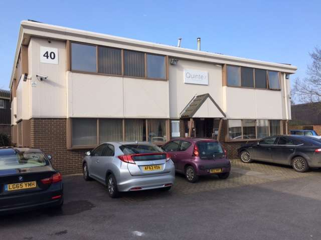 Office Commercial for sale in 40 IVANHOE ROAD,FINCHAMPSTEAD,RG40 4QQ, Reading