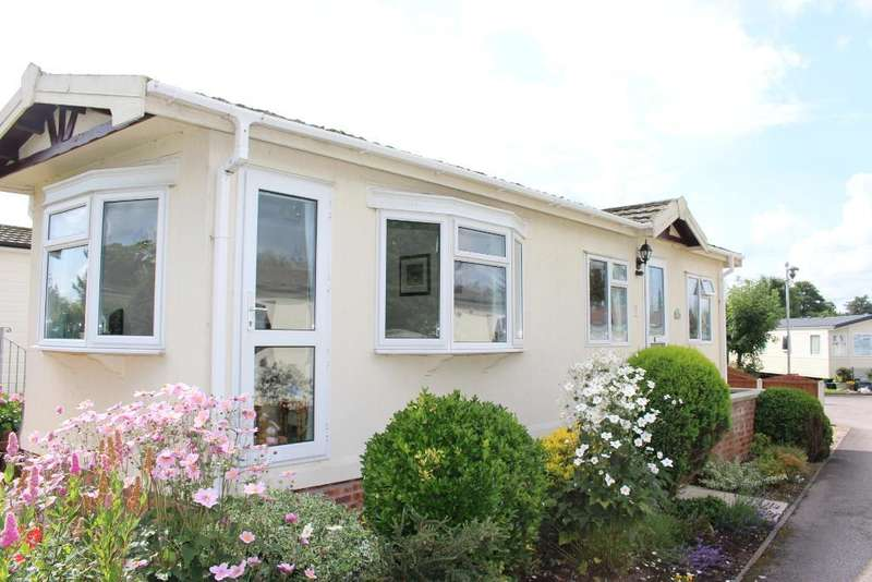 1 Bedroom Park Home Mobile Home for sale in Sunnyside Caravan Park, Bilsborrow, Garstang, Lancashire, PR3 0RE