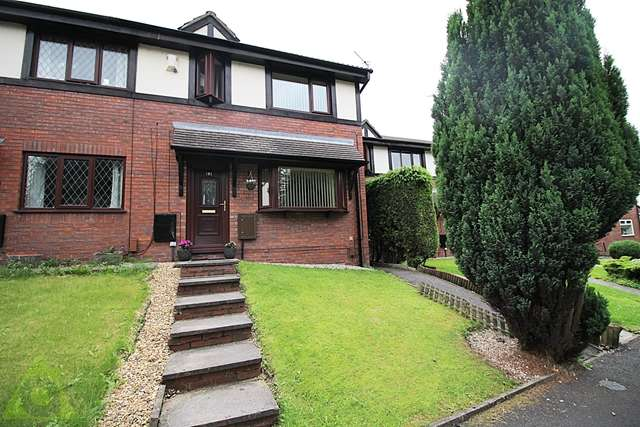 3 Bedrooms Semi Detached House for sale in Hindley Road, Westhoughton, Bolton, BL5 2HN