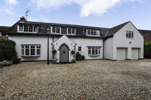 5 Bedrooms Detached House for sale in Wighill Lane, Tadcaster, North Yorkshire