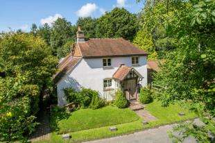 4 Bedrooms Detached House for sale in Swansbrook Lane, Gun Hill, East Sussex