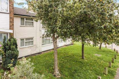 1 Bedroom Flat for sale in Fallowfield, Stevenage, Hertfordshire, England