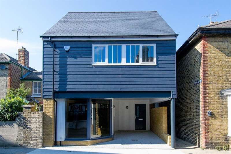 4 Bedrooms Detached House for sale in Argyle Road, Whitstable