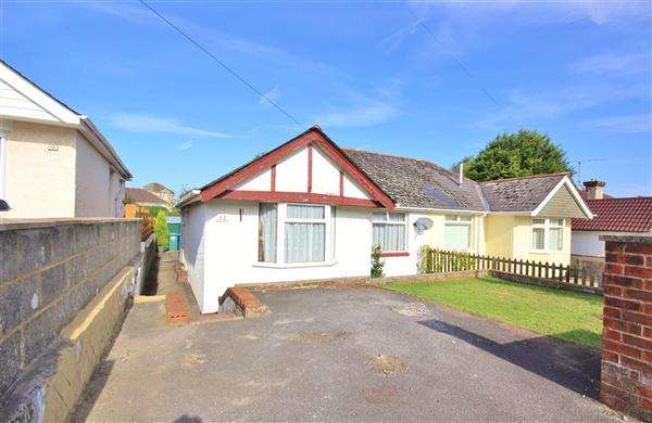 2 Bedrooms Bungalow for sale in Binnie Road, Poole