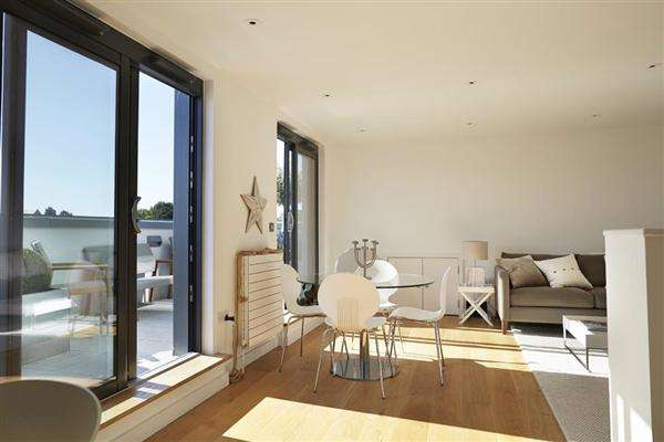 3 Bedrooms Apartment Flat for sale in Montefiore Road, Hove