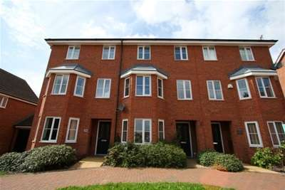 4 Bedrooms Terraced House for rent in Shropshire Drive, New Stoke Village, CV3