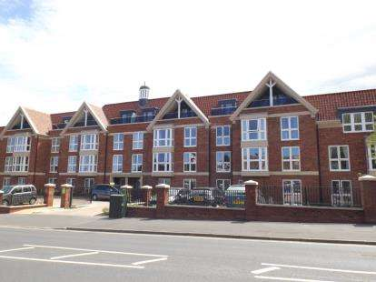 1 Bedroom Flat for sale in Holt Road, Cromer, Norfolk