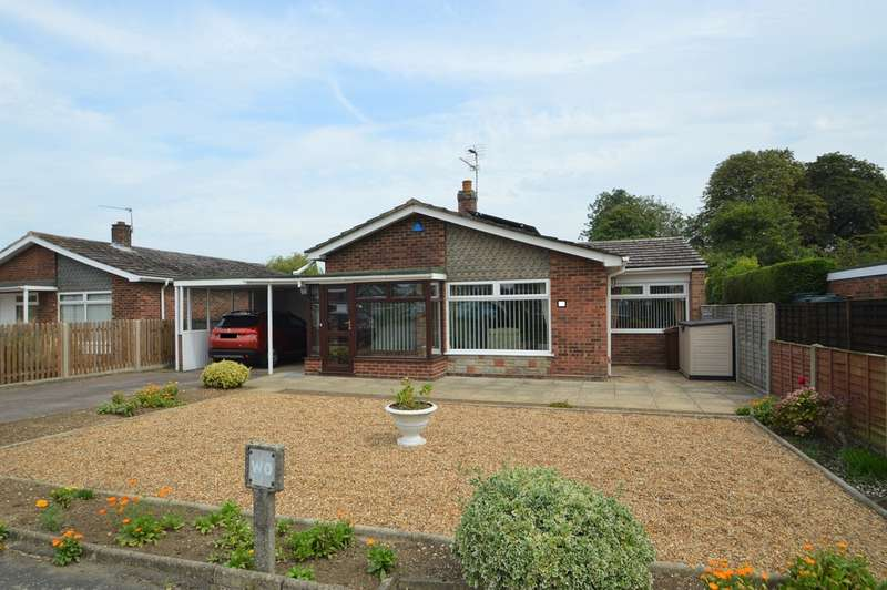 3 Bedrooms Detached Bungalow for sale in Kingswood Close, Brooke, Norwich