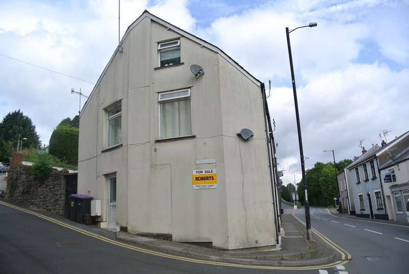 1 Bedroom Terraced House for sale in Station Street, Abersychan, PONTYPOOL, NP4