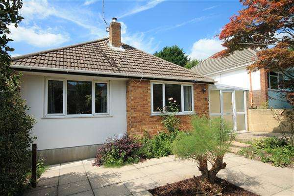 2 Bedrooms Bungalow for sale in Bryant Road, Poole