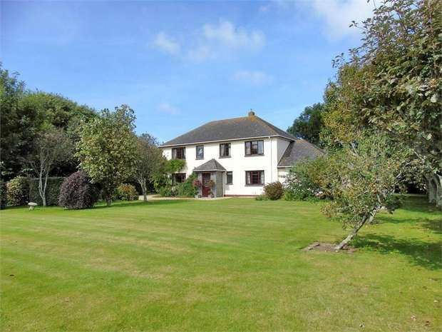 5 Bedrooms Detached House for sale in Kuggar, Ruan Minor, Helston, Cornwall