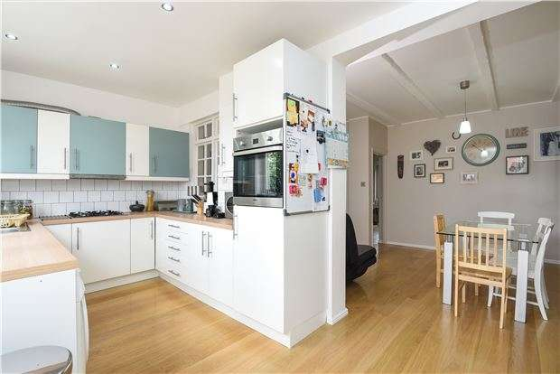 4 Bedrooms Terraced House for sale in Manor Road, MITCHAM, Surrey, CR4