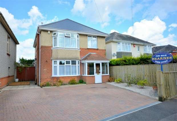 4 Bedrooms Detached House for sale in Norton Road, Bournemouth, Dorset