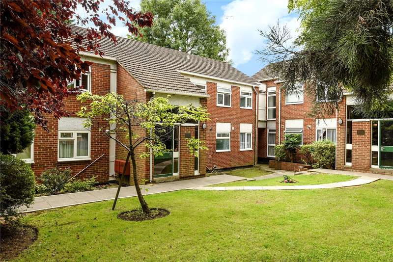 2 Bedrooms Apartment Flat for sale in Burhill Grove, Pinner, Middlesex, HA5