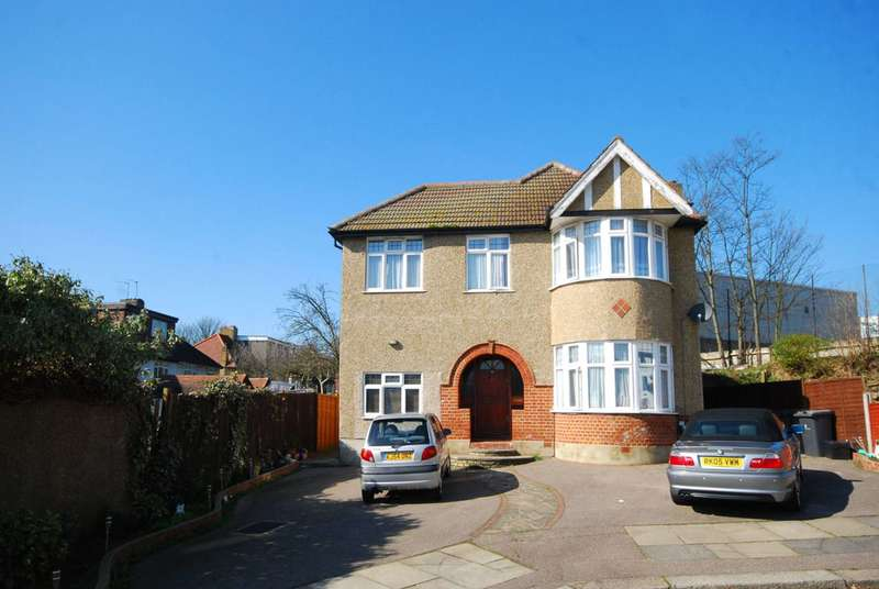 7 Bedrooms House for sale in Ridge Close, Holders Hill, NW4