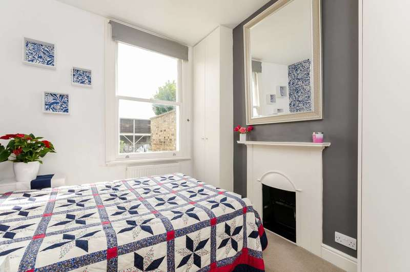 2 Bedrooms Flat for sale in Richford Street, Brackenbury Village, W6