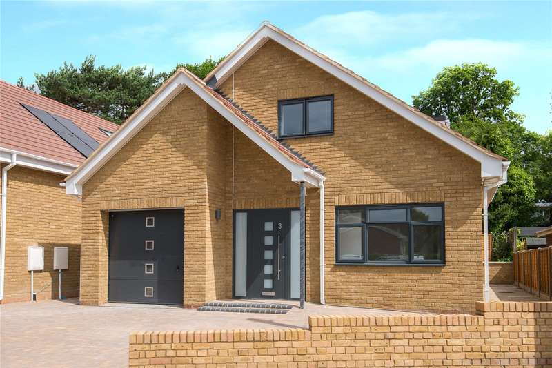 3 Bedrooms Detached Bungalow for sale in The Spinney, Potters Bar, Hertfordshire, EN6
