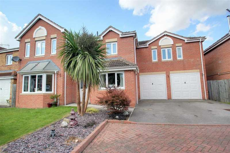 5 Bedrooms Detached House for sale in Richmond Drive, North Hykeham, North Hykeham, Lincoln