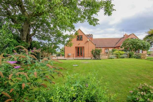 7 Bedrooms Detached House for sale in The Spinney, Marsh Road, North Wootton