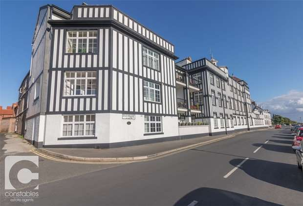 2 Bedrooms Flat for sale in Mostyn Place, Parkgate, Cheshire