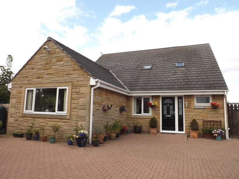 4 Bedrooms Detached House for sale in The Wynd, Amble, Morpeth, Northumberland, NE65 0LL