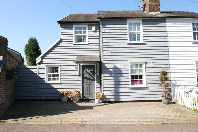 4 Bedrooms Semi Detached House for sale in The Rutts, Bushey Heath