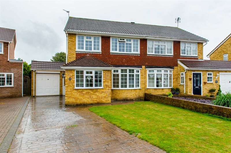 4 Bedrooms Semi Detached House for sale in Hamilton Crescent, Sittingbourne