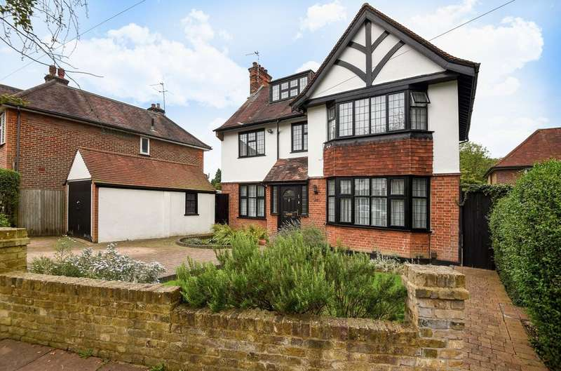 5 Bedrooms Detached House for sale in Cuckoo Hill Road, Pinner