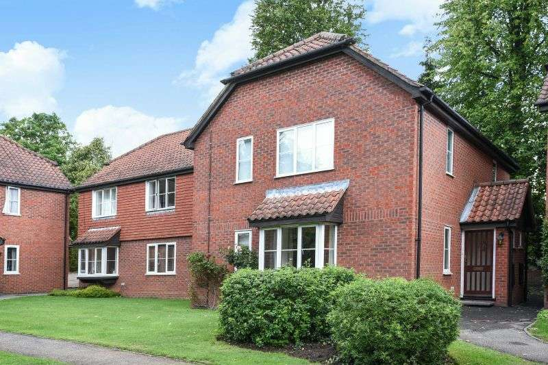 2 Bedrooms Ground Flat for sale in Murray Road, Northwood