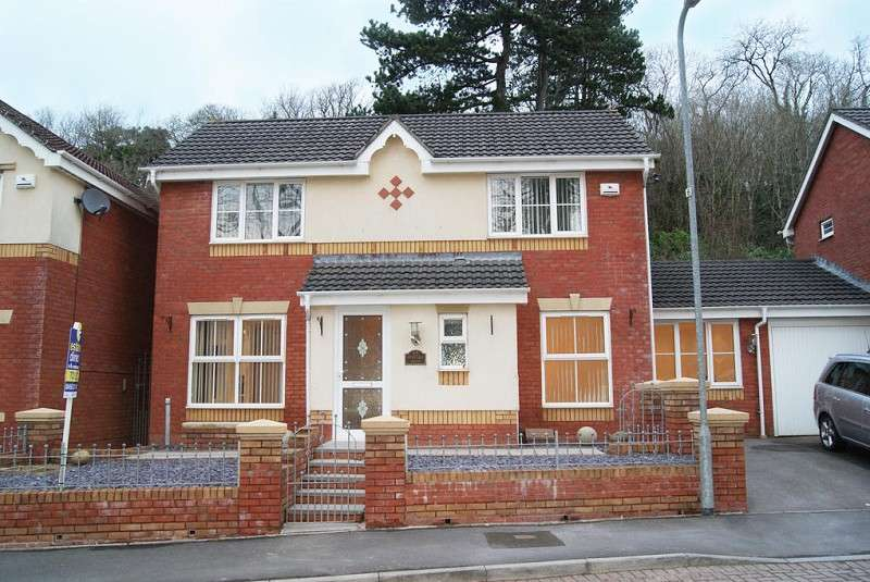 3 Bedrooms Detached House for sale in Heritage Drive, Caerau, Cardiff. CF5