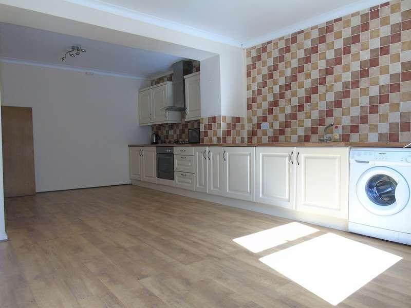 3 Bedrooms Terraced House for sale in Tyntyla Road, Ystrad, Pentre