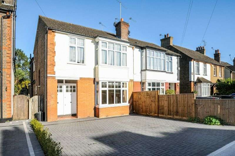 4 Bedrooms Semi Detached House for sale in Hallowell Road, Northwood